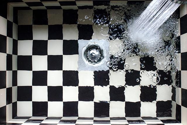 【排水口から下水のニオイが】トラップがない時の臭気対策方法まとめ