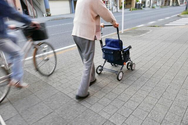 自転車事故の増加にともなう自転車保険の義務化が増加