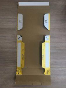 宅急便コンパクト専用BOXの組み立て前
